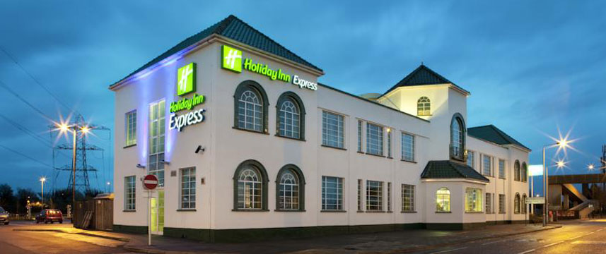 Holiday Inn Express London Chingford - Exterior