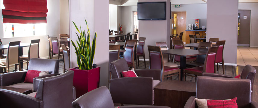 Holiday Inn Express London Chingford - Guest Dining Room