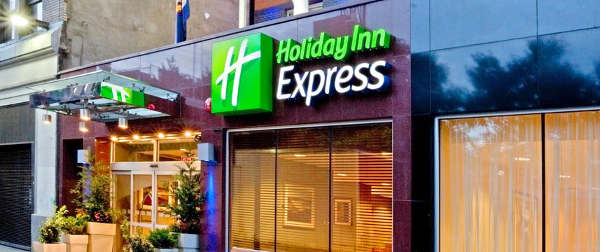 Holiday Inn Express Times Square - Entrance