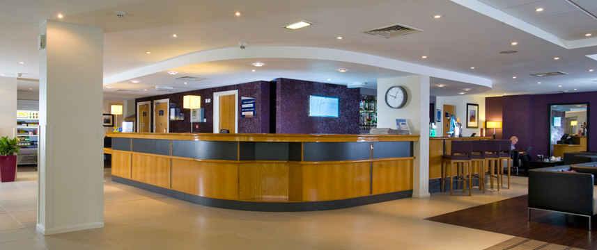 Holiday Inn Hammersmith - Amenities and Services