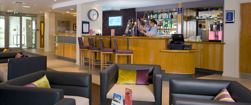 Holiday Inn Hammersmith - Bar Lounge