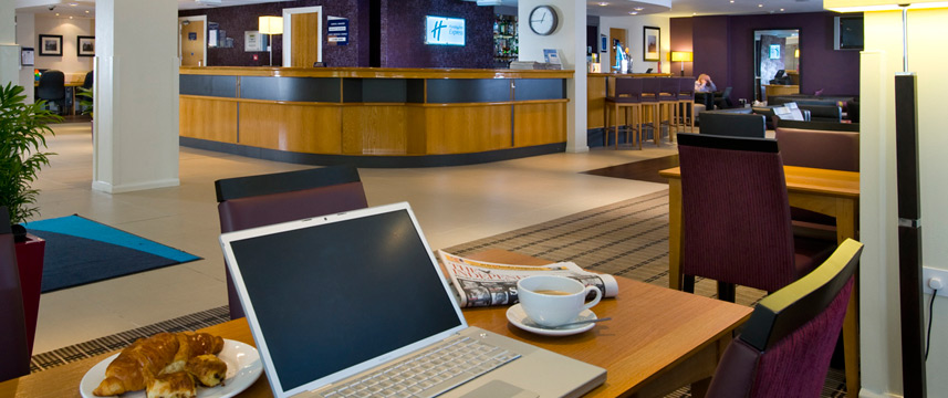 Holiday Inn Hammersmith - Free Wi-Fi in lobby