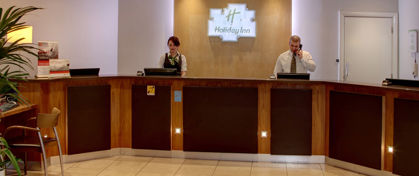 Holiday Inn London - Gatwick Airport - Reception