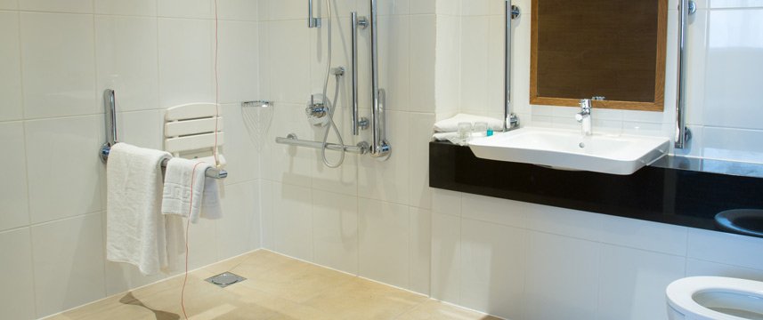 Holiday Inn London Wembley - Accessible Bathroom