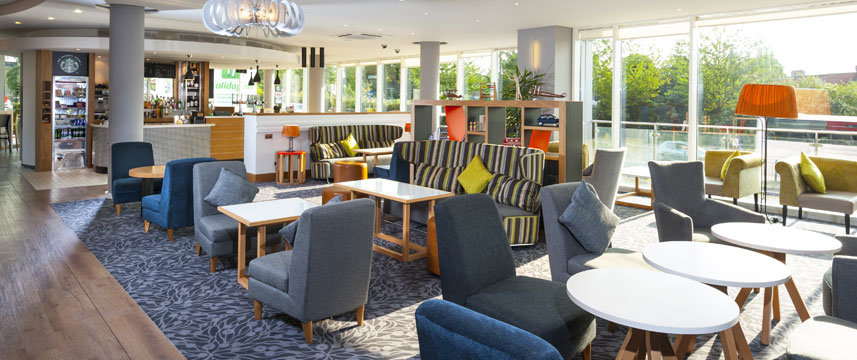 Holiday Inn London West - Bar Lounge