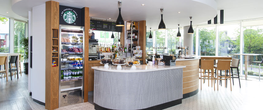Holiday Inn London West - Coffee Shop