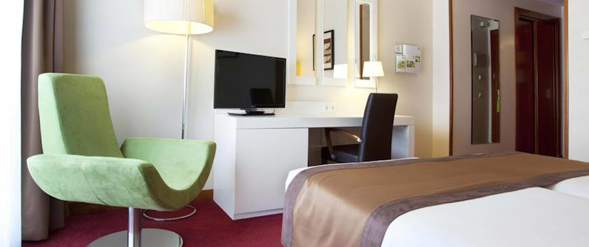 Holiday Inn Madrid Calle Alcala Bedroom Facilities