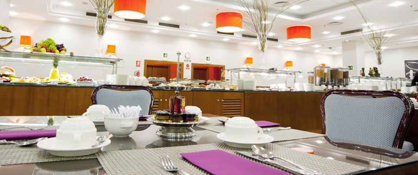 Holiday Inn Madrid Calle Alcala Buffet Breakfast