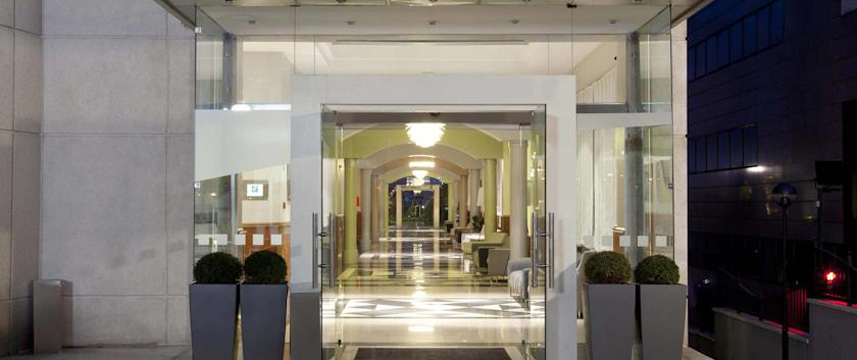 Holiday Inn Madrid Calle Alcala Entrance