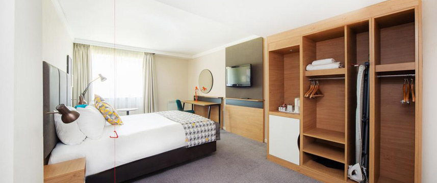 Holiday Inn Reading South M4 Jct11 - Accessible Room