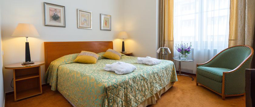 Hotel Beseda - Double Bedroom