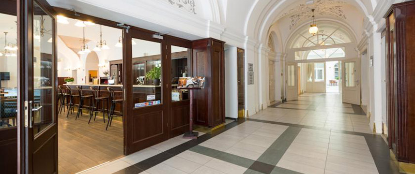 Hotel Beseda - Entrance Hall