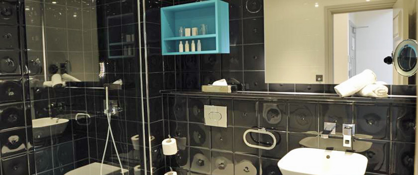 Hotel Indigo London Earls Court Bathroom