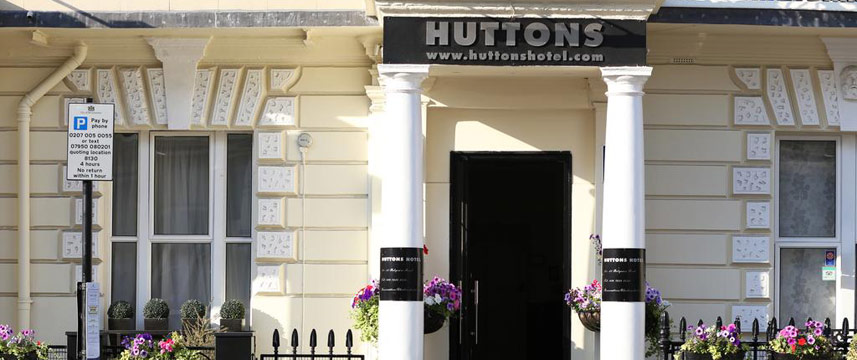 Huttons Hotel - Huttons Entrance