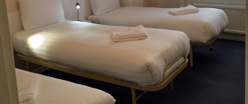 Jesmond Dene Hotel - Triple Beds