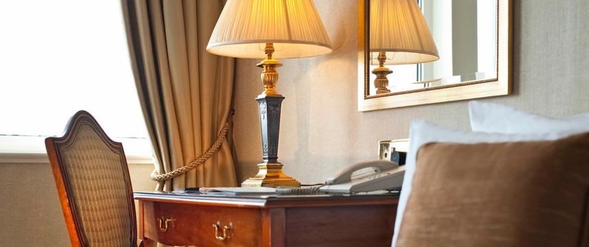Lancaster London - Deluxe room desk