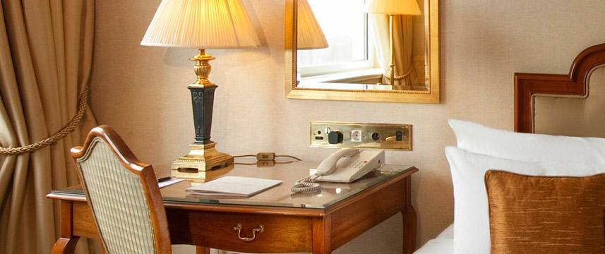 Lancaster London - Deluxe room desk2