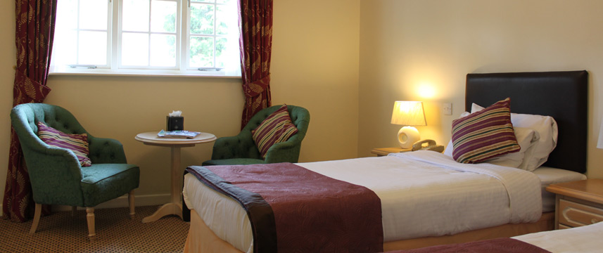 Marston Farm Hotel Twin Bedroom