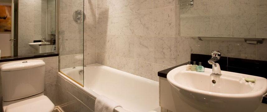 Mayflower Hotel - Bathroom Suite