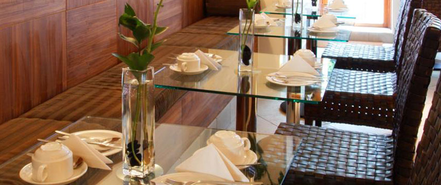 Mayflower Hotel - Breakfast Room