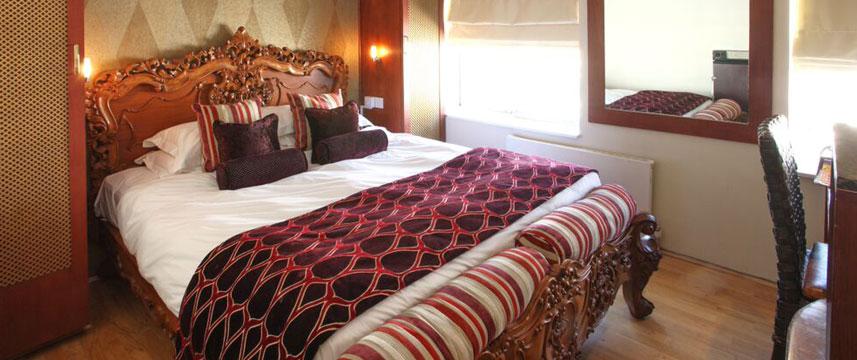 Mayflower Hotel - Luxury Guest Room