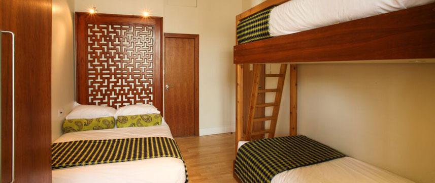 Mayflower Hotel - Triple Guest Room