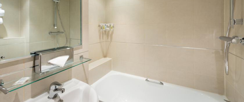 Mercure London Kensington - Bathroom