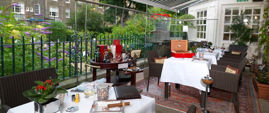 Montague On The Gardens Terrace bar
