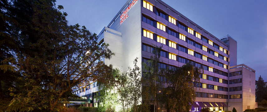 Movenpick Hotel Paris Neuilly Exterior