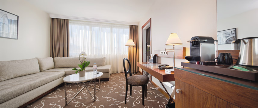 Movenpick Hotel Paris Neuilly Suite Lounge