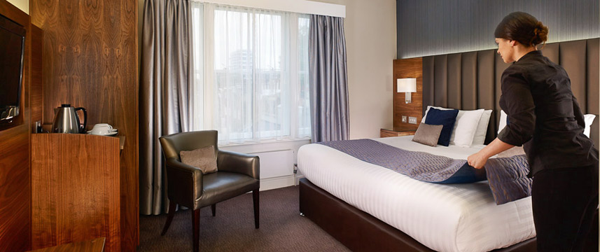 Norfolk Towers Paddington Hotel - Club Double Bedroom