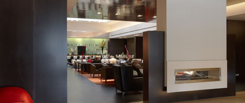 Park Plaza Riverbank London Lounge Bar