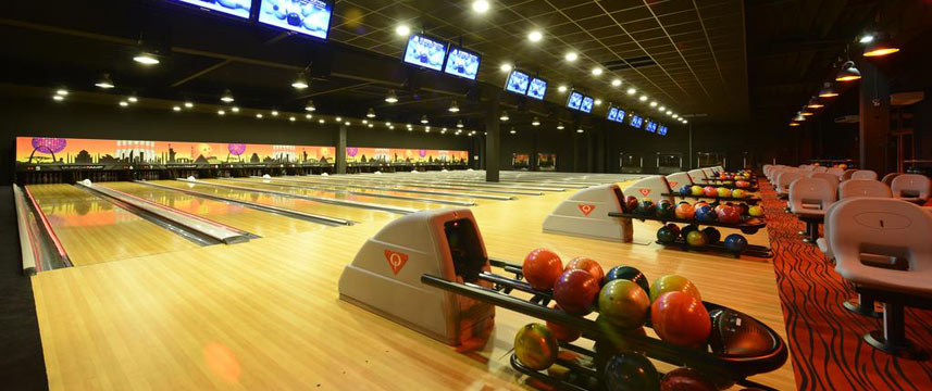 Paxton Resort and Spa - Le Crystal Bowling Lanes