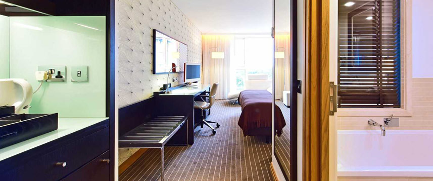 Pestana Chelsea Bridge Hotel Deluxe Room