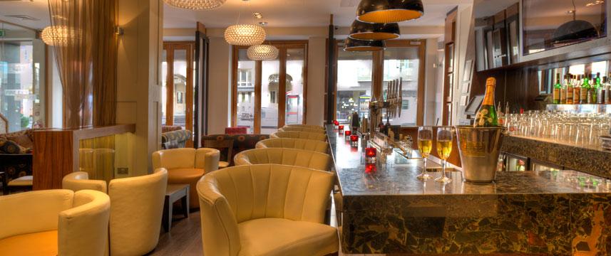 Quality Maitrise Hotel Bar
