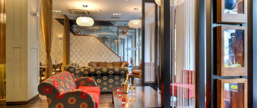 Quality Maitrise Hotel Lounge