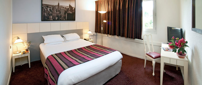 Qualys-Hotel Golf Paris Est - Double Guestroom