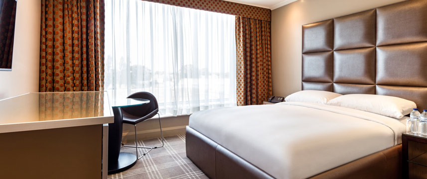 Radisson Blu Edwardian Heathrow - Standard Double Bed