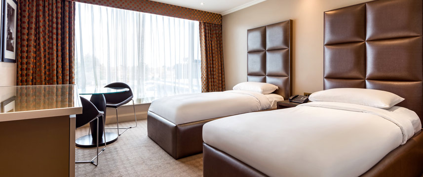 Radisson Blu Edwardian Heathrow - Standard Twin Beds