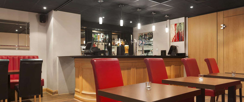 Ramada London Finchley - Bar Lounge