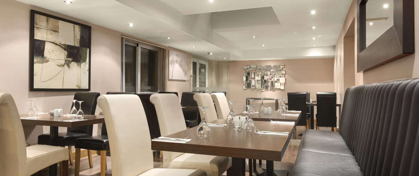 Ramada London Finchley - Restaurant Tables