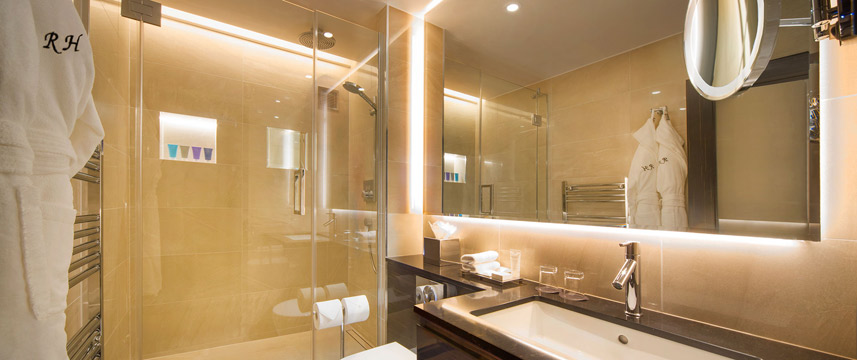Rathbone Hotel - Deluxe Bathroom