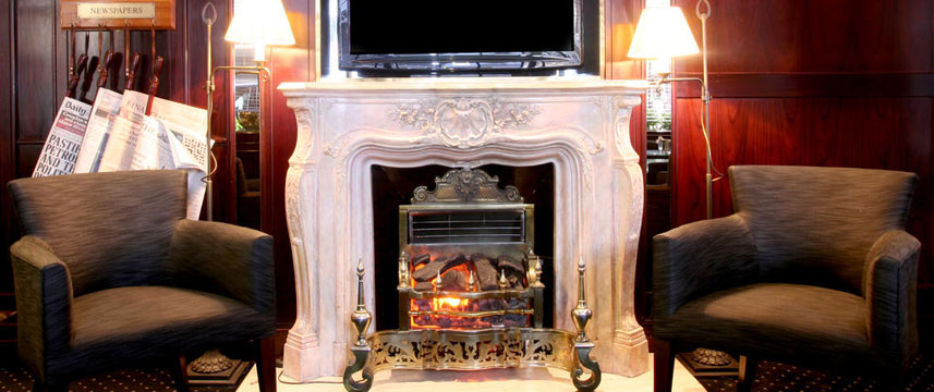 Rathbone Hotel - Lounge Fireplace