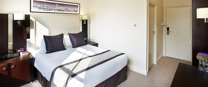 Rydges Kensington Double Bedroom