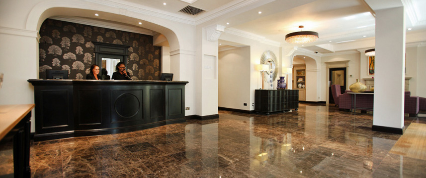 Rydges Kensington Reception Desk