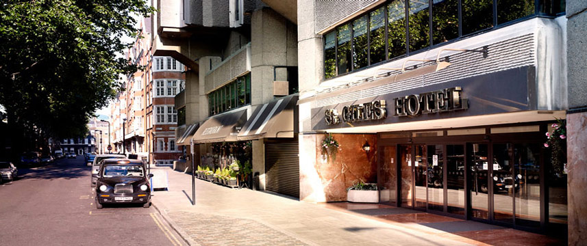 St Giles London - Exterior