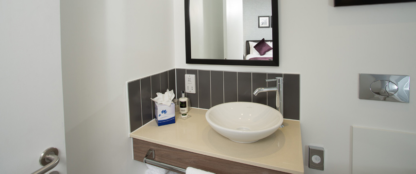 Staybridge Bham Sink