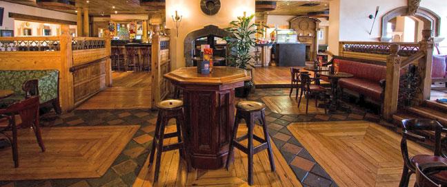 Tara Towers Hotel - Bar