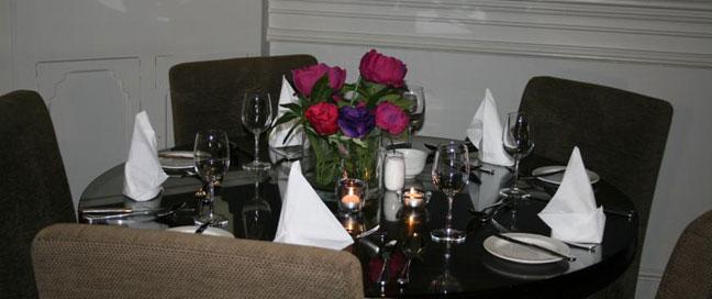 Tara Towers Hotel - Restaurant Table