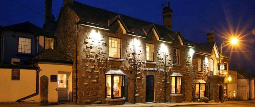 The Arundell Arms - Exterior Night